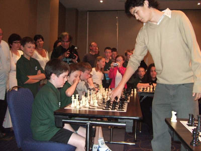 David Howell (ENG, GM) giving a simultaneous during the 2007 Ireland-Sussex junior match