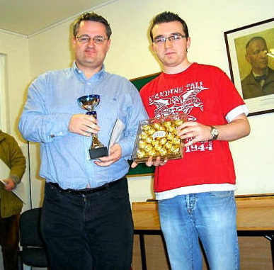 Leinster Championship 2007: Gavin Wall (left) receiving 1st prize in the Masters section from ICU Chairman Philip Hogarty (who was tragically killed in a car accident 2 days later)